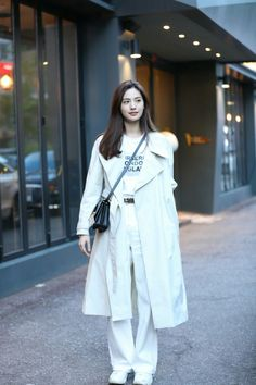 "Nana ❤️❤️❤️ on her way to the wrap-up party for her drama ""Kill It"" 😘 Kpop Fashion, Korean Fashion, Fashion Beauty, Fashion Outfits, Nana Afterschool, Im Jin Ah Nana, Modern Aprons, Most Beautiful Faces, Easy Hairstyles For Long Hair"