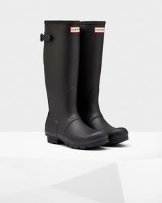 Handcrafted from 28 parts the Original Back Adjustable Rain Boot is made from natural rubber in a matte finish.