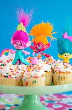 Bring Home Happy with these DIY Trolls inspired cupcakes! #TrollsMovieNight