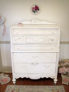 White painted Furniture - get this look with General Finishes's Snow White #MilkPaint, www.GeneralFinishes.com - #GeneralFinishes.