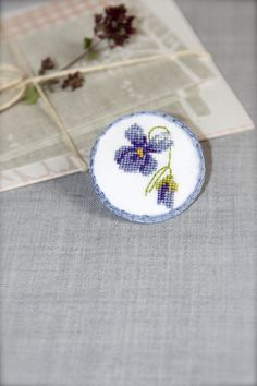 hand-embroidered-floral-pin-brooch