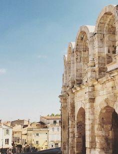 Voyage en Arles avec Caroline de Maigret