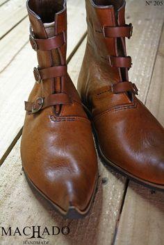 buty średniowieczne