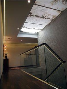Detalles varios en las escaleras