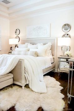 Modern Traditional Home Decor Master Bedroom Styled 3 Ways for Summer - Tips for Decorating Neutral Bedrooms.Modern Traditional Home Decor Master Bedroom Styled 3 Ways for Summer - Tips for Decorating Neutral Bedrooms Cheap Home Decor, Bedroom Styles, Easy Home Decor, House Interior, Home, Remodel Bedroom, Luxurious Bedrooms, Home Decor Accessories, Mirrored Furniture