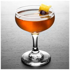Man O' War (Kentucky Bourbon, Orange Curacao or Triple Sec, Sweet Vermouth, Fresh Lemon Juice): This citrusy bourbon libation is named for one of history's greatest racehorses—the stallion who won 20 of the 21 races that he ran and who grandfathered anoth Bourbon Cocktails, Whiskey Cocktails, Classic Cocktails, Cocktail Drinks, Cocktail Recipes, Alcoholic Drinks, Beverages, Cocktail Glass, Cocktails For Men
