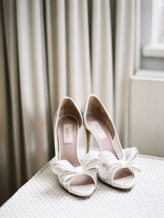 Valentino lace d'orsay #shoes  Photography: Polly Alexandre - alexandreweddings.com