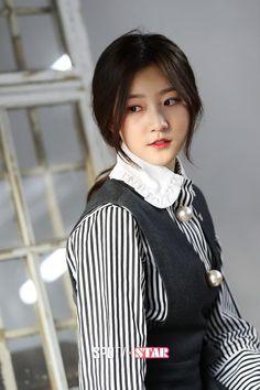 Kim Sae-ron (김새론) - Picture @ HanCinema :: The Korean Movie and Drama Database Korean Actresses, Korean Actors, Actors & Actresses, Kim Sae Rom, Hi School Love On, High School Hairstyles, Lee Bo Young, Joo Won, Girl Korea