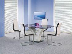 Dom w Olkuszu w jasnej wersji Dining Room Table, Dining Chairs, Table Design, Floor Chair, Luxury Homes, Corner Desk, Black And White, Living Room, Blanco Y Negro