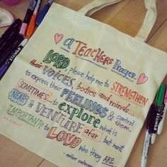 Hand drawn tote bag I did as Christmas Presents for my kids teachers. Photo by ecdesignz www.elizabethcaldwell.com #teacher #gift #diy #handmade