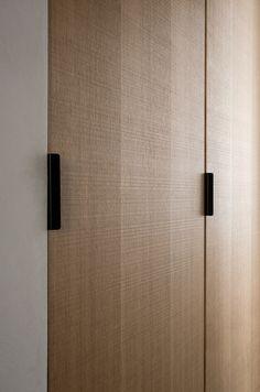 Reform Norm Architects' Studio in Copenhagen. Their kitchen design in sawn cut natural oak. It's an IKEA hack. Wardrobe Closet, Wardrobe Doors, Wardrobe Door Handles, Küchen Design, Door Design, Placard Design, Joinery Details, New Kitchen Designs, Wardrobe Design