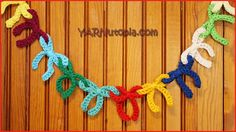 Crochet Tutorial: Bow Garland « YARNutopia by Nadia Fuad Crochet Bunting, Crochet Garland, Crochet Bows, Crochet Stitches, Free Crochet, Crochet Patterns, Knit Crochet, Bow Garland, Garlands