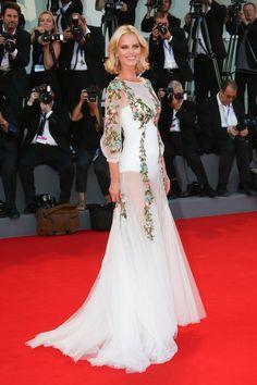 Εύα Χερτζίκοβα:Με διάφανα φορέματα στη Βενετία μετά τη μάχη με την ανορεξία… Models Off Duty, Personal Style, Formal Dresses, People, Fashion, Dresses For Formal, Moda, Formal Gowns, Fashion Styles