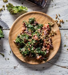 This healthy Greek kale salad recipe is full of bold Mediterranean flavors. It packs great for lunch, too. Vegetarian, gluten free, and easily vegan. Kale Salad Recipes, Salad Dressing Recipes, Banting Recipes, Healthy Recipes, Healthy Foods, Tahini Dressing, How To Cook Quinoa, Vegetarian Cheese, Dried Tomatoes