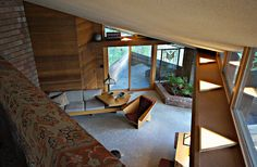 view into living room at 'Sankaku'