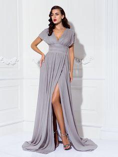 TS Couture® Formal Evening / Military Ball Dress - Silver Plus Sizes / Petite Sheath/Column V-neck Sweep/Brush Train Chiffon - USD $99.99