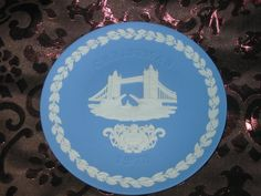 Wedgwood Christmas Collector Plate 1975 Tower Bridge With Box Available In Store Now @