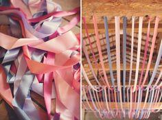 Facile à faire pour un resultat impressionnant : camaieu de rubans de differentes largeurs, pour orner le plafond de la piece. Credit photo Anne-Claire Brun | Wedding Photographer |