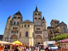 lady in black: Trier, the oldest city in Germany #travelblogger #travel #traveleurope #europe #westerneurope #blogging #lifestyleblogger #lifestyle #germany #placestogo #visitgermany #trier #oldtwon #picoftheday #historicaltown #placestosee #nemecko #cathedral