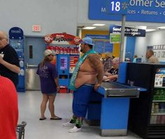 People Of Walmart - Page 5 of 2730 - Funny Pictures of People Shopping at Walmart Funny People Quotes, Funny People Pictures, Funny Quotes For Teens, Funny Photos, Fail Pictures, People Of Walmart, Only At Walmart, Walmart Lustig, Walmart Shoppers