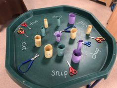 Scissor and Snipping Tuff Spot Tray - perfect developing fine motor skills in Early Years children. Cutting Activities, Eyfs Activities, Motor Skills Activities, Nursery Class Activities, Children Activities, Tuff Spot, Eyfs Classroom, Classroom Teacher, Tuff Tray Ideas Toddlers