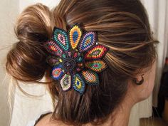 this is so pretty. i'm rusty on my macrame but i'm feeling an urge to attempt one