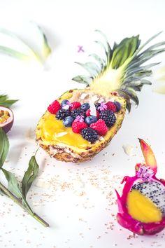 Porridge mit Ananas-Mango-Püree und Beerendreick http://wp.me/p6GO5w-Js