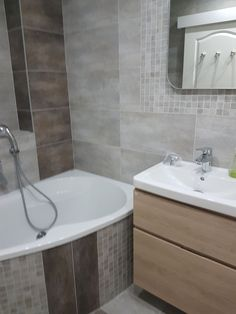 Grey bathroom with natural furniture Natural Furniture, Grey Bathrooms, Alcove, Bathtub, Standing Bath, Bathtubs, Gray Bathrooms, Bath Tube, Bath Tub