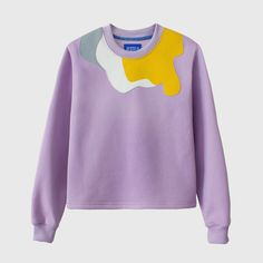 This sweatshirt has geometric embroidery sewn all over the garment in various colors. It is a very versatile sweatshirt and its soft interior gives a great feeling of comfort. It has long sleeves, a round neck and a straight bottom. Malva, Barcelona, Color Lila, Pastel Purple, Silk Screen Printing, Printed Sweatshirts, Slow Fashion, Embroidery, Stylish