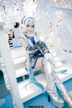 「hatsune miku cosplay」の画像検索結果