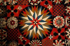 Detail of Soldier's Quilt by an unidentified artist (Crimea, India, or United Kingdom, wool, probably from military uniforms; hand-appliquéd with buttonhole fabric discs (photo by the author for Hyperallergic) Old Quilts, Vintage Quilts, African Crafts, New York Museums, Patriotic Quilts, Weird And Wonderful, Quilt Making, Quilting Projects, Art Museum