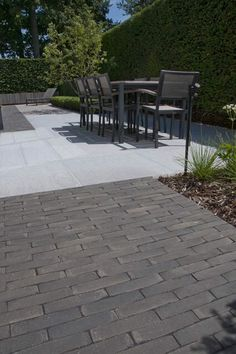 This too gives a better idea of brick and limestone in a smaller space. Modern Backyard, Backyard Landscaping, Patio Design, Garden Design, Outdoor Living, Outdoor Decor, Childproofing, Pavement, Brick