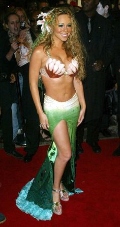 Pin for Later: Double Trouble: Hollywood's Halloween Costume Copycats Mermaid Mariah Carey showed skin in a mermaid costume at her 2003 NYC bash. Mariah Carey 90s, Mariah Carey Pictures, Mariah Carey Bikini, Halloween Costumes Pictures, Halloween Kostüm, Couple Halloween, Sexy Mermaid Costume, Mermaid Costumes, Hoda Kotb