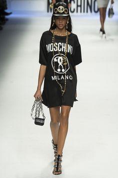 moschino-rtw-fw15-runway-35 – Vogue