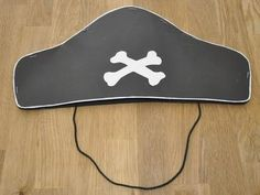 Make a pirate hat. Of course everyone needs a little bit for the pirate birthday … - Crafts for Teens Pirate Birthday, Birthday Bash, Birthday Parties, Crafts For Teens, Diy And Crafts, Pirate Dress Up, Caribbean Party, Activity Games, Party Time