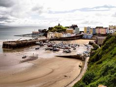 Tenby South Wales Wales Uk, South Wales, Wales Holiday, Best Beaches In Europe, Places To Travel, Places To Visit, Welsh Castles, Brecon Beacons, Snowdonia