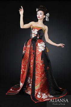 和ドレス・ウェディングドレスレンタルのアリアンサ 着物ドレス・打掛ドレス・カラードレス・コンテストドレスのオーダーメイド、レンタル・ドレス制作、販売 Asian Wedding Dress, Wedding Kimono, Strapless Dress Formal, Prom Dresses, Kimono Dress, Kimono Fashion, Japanese Fashion, Beautiful Gowns, Evening Gowns