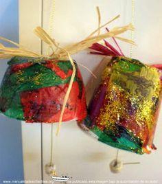 Campanas de navidad recicladas:http://www.manualidadesinfantiles.org/campanas-de-navidad-recicladas/