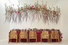 Floral Design Classes, Floral Designs, Outdoor Furniture Sets, Outdoor Decor, Three Dimensional, Service Design, Design Projects, Education, Abstract