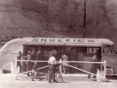 """""""Snoekies"""" - legendary smoked snoek from the side of an old trailer. Old Photos, Vintage Photos, Cape Town South Africa, 1950s, Fish, History, Old Pictures, Historia, Pisces"""