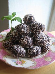 Raw Cacao Superfood Dessert Balls