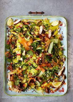 Chicken Tikka Lentil, Spinach & Naan Salad | Channel TEN