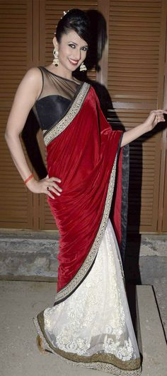 $106.73 Red and White Bollywood Velvel Hulf Party Wear Saree 26682