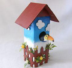 Casa de passarinho feita com caixa de leite