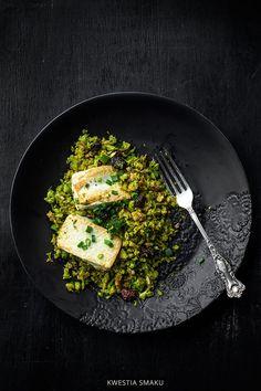 Smażony ryż z brokuła z jajkiem lub tofu