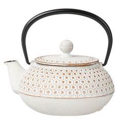 Enchan-The NANBU TEKKI CAMOMILLE No.5 White, cute enough to make me want to take the time to make tea.