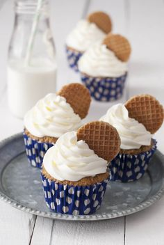 The Sweetest Taste: Stroopwafle Cupcakes