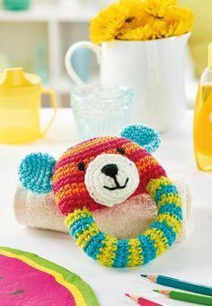 Teddy bear rattle, #crochet, free pattern, #haken, gratis patroon (Engels), rammelaar, bijtring, baby, kraamcadeau, #haakpatroon