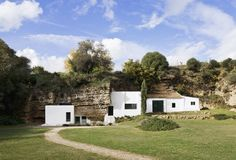 Galería de Alojamiento Rural en Casa Cueva / UMMO Estudio - 3