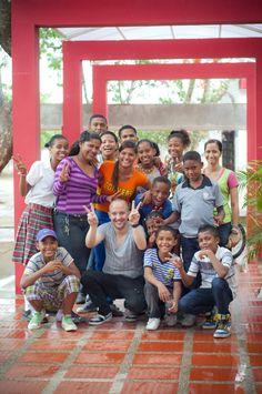 El grupo de los niños de Manatí con César López